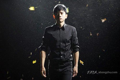 资讯生活张杰新曲《我想》MV独家首发 演绎爱与坚守